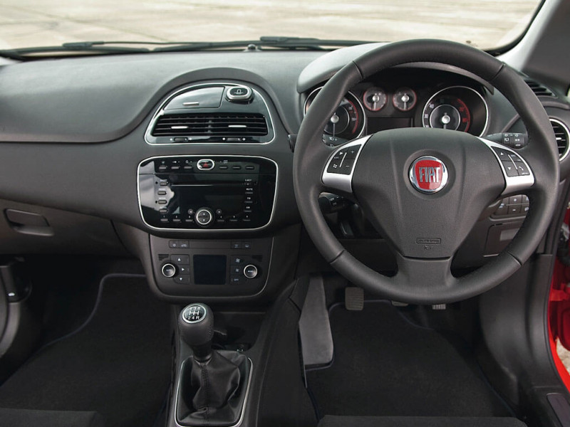 fiat punto evo dynamic 1 2 petrol price specifications. Black Bedroom Furniture Sets. Home Design Ideas