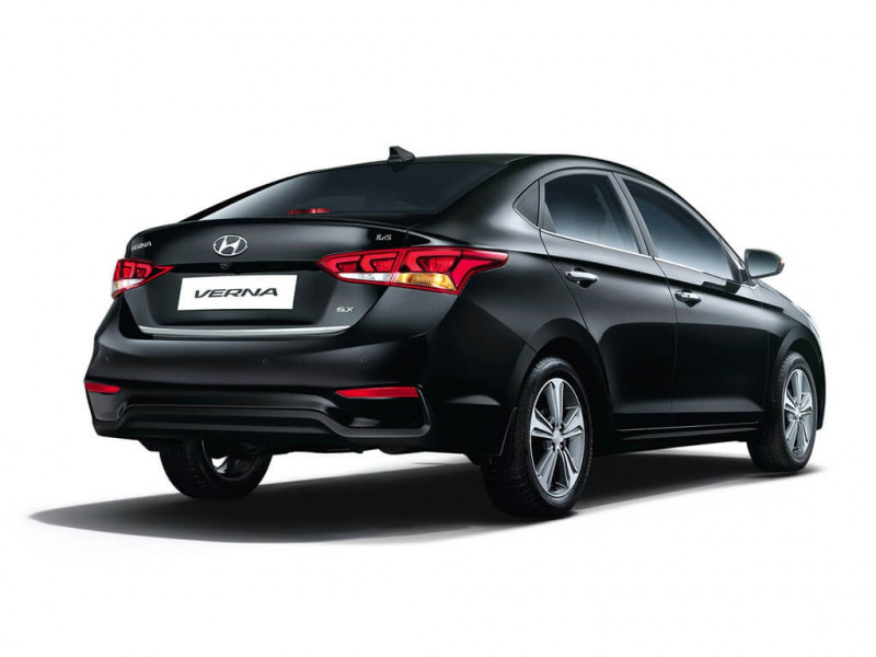 Hyundai Verna 1.6 CRDI SX Price, Specifications, Review ...