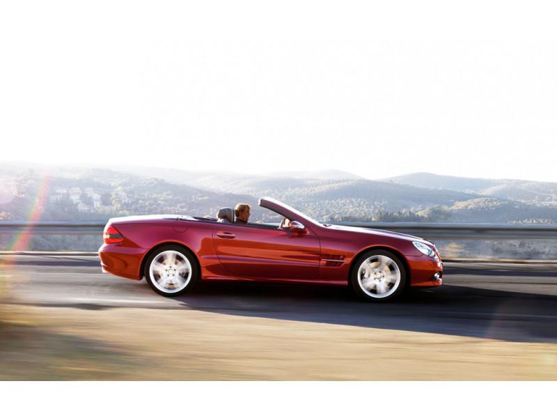 Mercedes benz sl photos interior exterior car images for Mercedes benz big car
