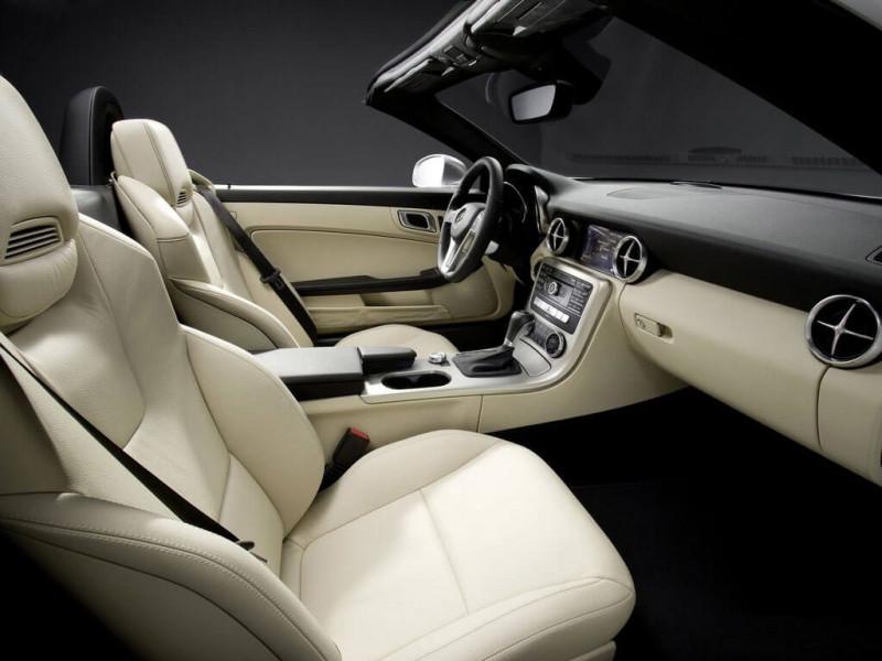 mercedes benz slk class photos interior exterior car images cartrade. Black Bedroom Furniture Sets. Home Design Ideas
