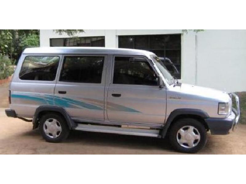Toyota Qualis Photos Interior Exterior Car Images Cartrade