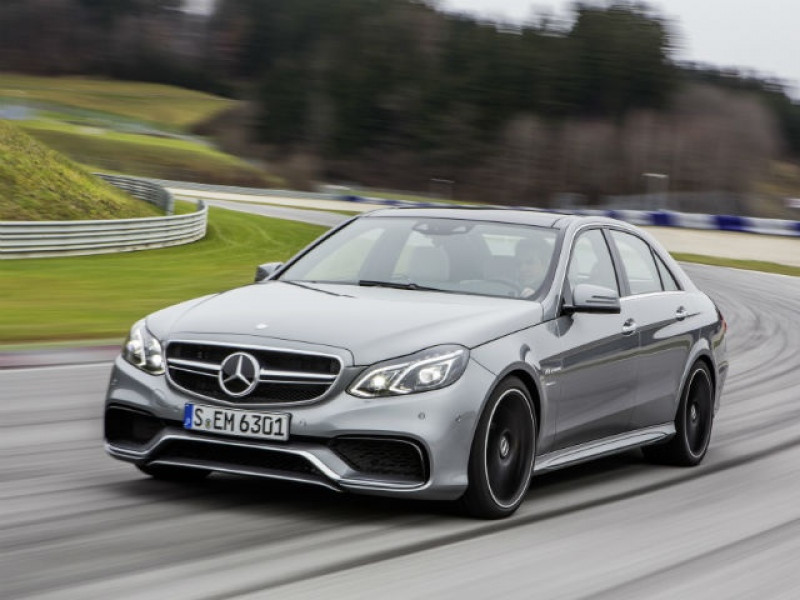High Speed Chase Mercedes Benz E63 Amg Vs Bmw M5 Vs Audi Rs 7 Cartrade