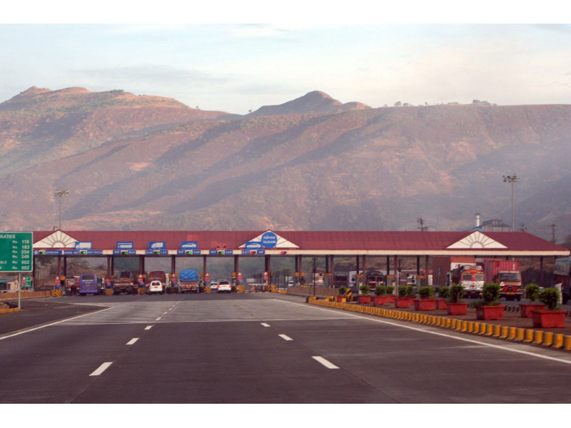 Mumbai Pune Expressway Toll Exempted For Konkan Travellers