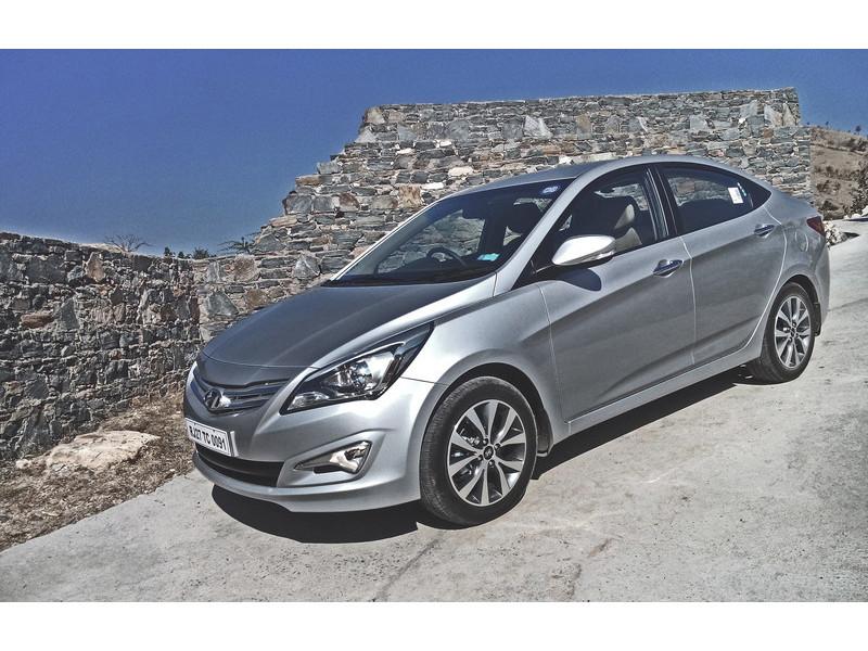 Honda city petrol diesel mt vs hyundai 4s fluidic verna for Honda or hyundai