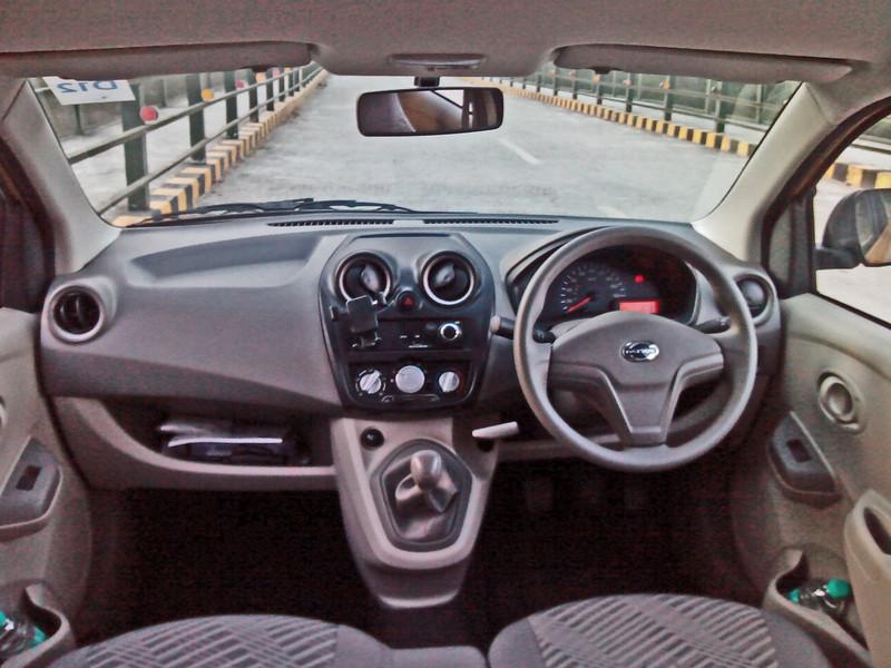 Honda Mobilio Petrol/Diesel MT Vs Datsun GO Plus Petrol ...