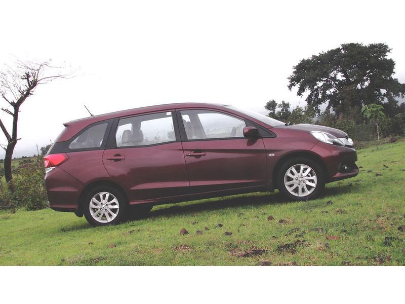 Honda Mobilio Petrol/Diesel MT Vs Datsun GO Plus Petrol/Diesel MT