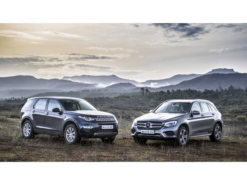 Land rover discovery sport diesel at vs mercedes benz glc for Mercedes benz rover