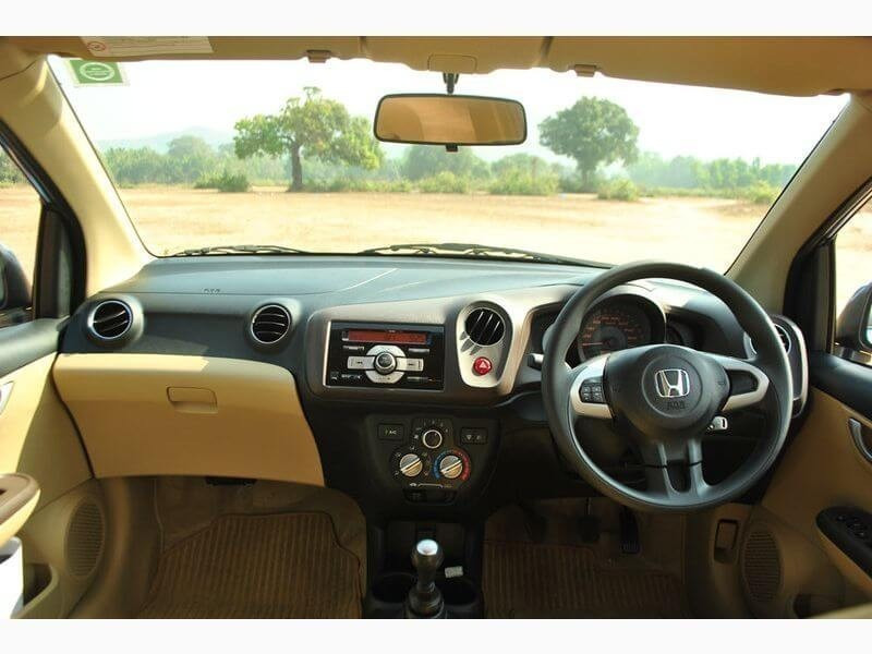 maruti swift dzire vs honda amaze expert comparison 136 cartrade. Black Bedroom Furniture Sets. Home Design Ideas