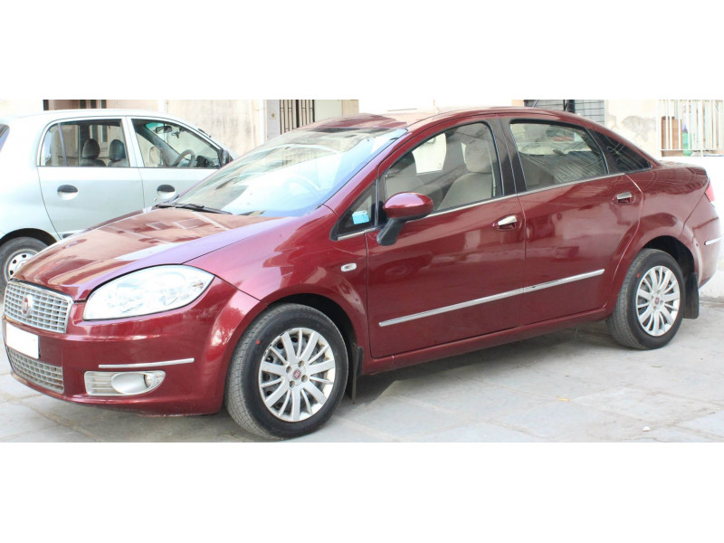 fiat linea emotion 1 3l multijet diesel user review linea rating rh cartrade com fiat linea user guide Fiat Linea Interior