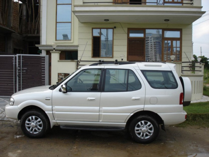 Tata Safari 4x2 Lx Dicor 2 2 Vtt User Review Safari